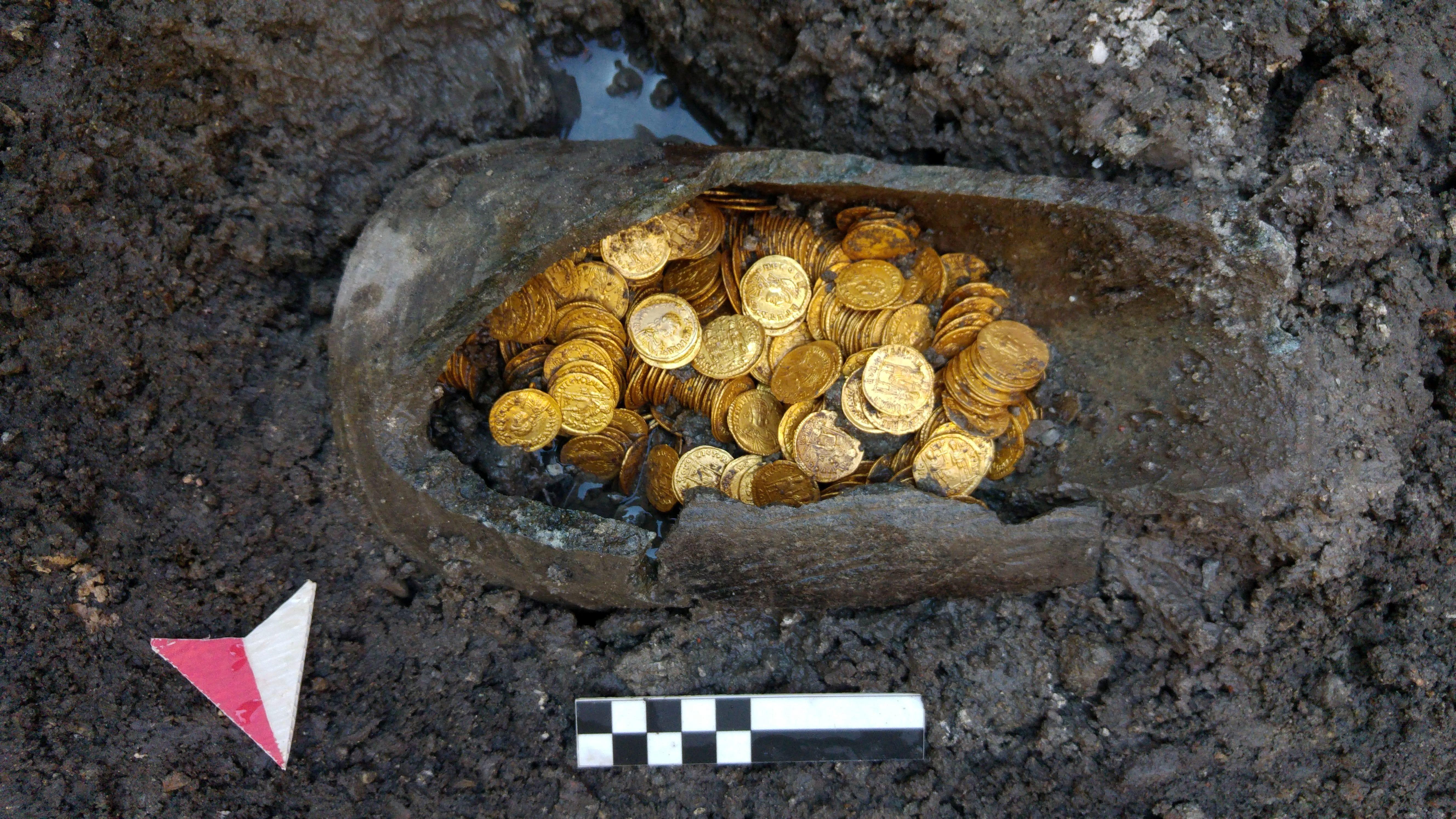 monete romane teatro cressoni-2