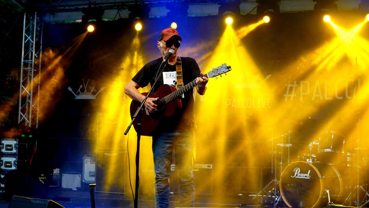 Michael Chapman durante esibizione-2