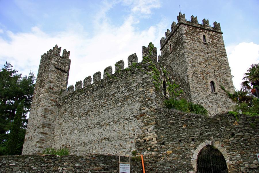 SanSiro-Rezzonico_castello-2
