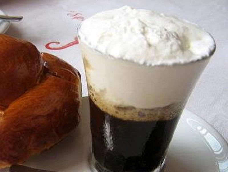 pasticceria vittoria como caffè con panna-2