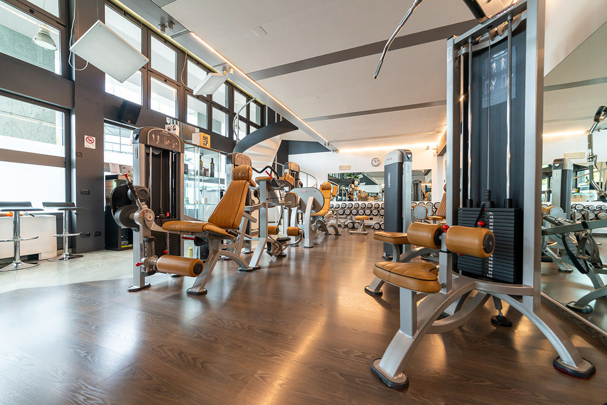 Como-fitness-club-sala-attrezzi-2-2