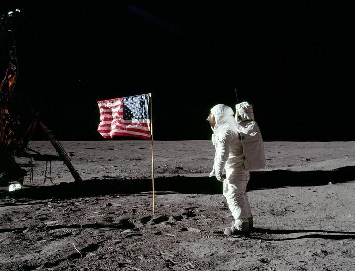 moon-landing-62879_960_720-2