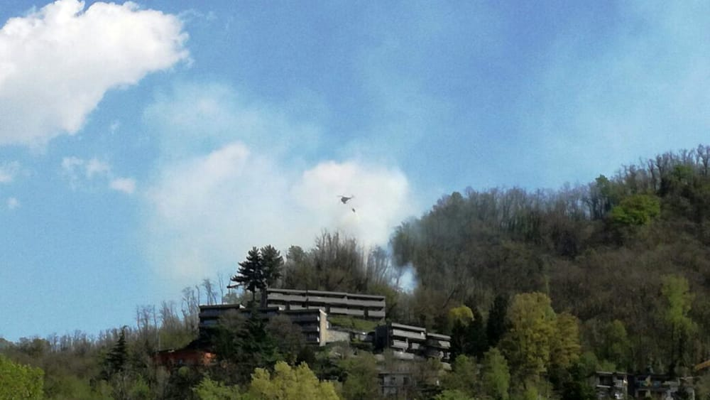 incendio-monte-goi-como-4-apr17