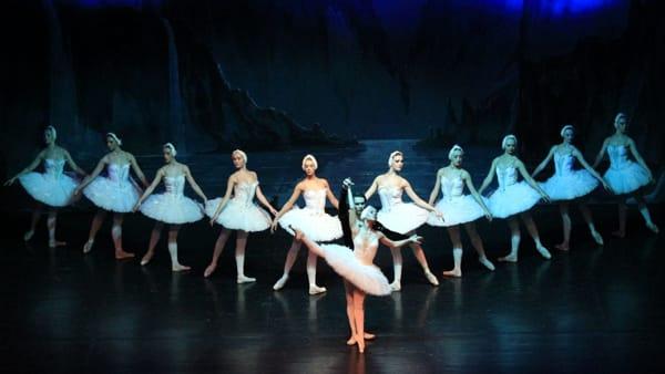 Capodanno al Teatro Sociale: Lago dei cigni e cenone in Sala Bianca