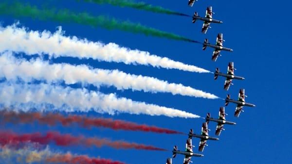 Le Frecce Tricolori sul Lago di Como, arriva lo spettacolo della pattuglia acrobatica