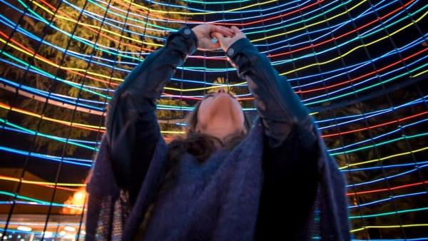 L'installazione Cocoon illumina il Museo della Seta di Como