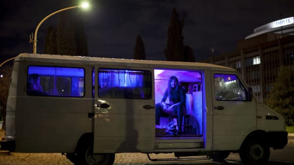 """Medea per strada a Como: il teatro """"on the road"""" fa subito soldout"""