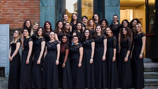 Concerto di Natale in Duomo a Como con il coro Hebel, dirige il Maestro Cadario