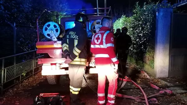 Incendio tetto a Brunate, intervengono i pompieri 2