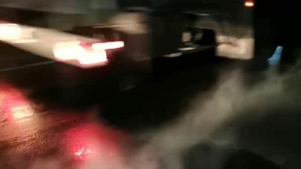 Guasti alla rete di teleriscaldamento di ComoCalor: acqua bollente affiora dall'asfalto