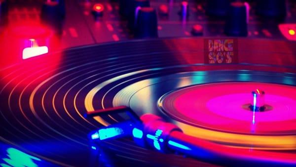 La storia della Disco Music: Bufalini e Savastano la raccontano alla Ubik di Como