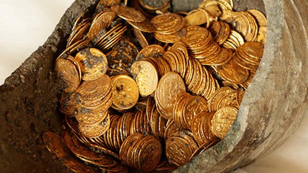 Monete d'oro, ecco tutti i segreti del tesoro di Como