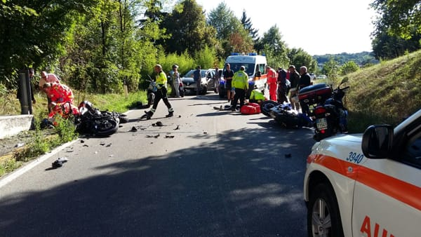Incidente a Orsenigo: scontro frontale tra due moto