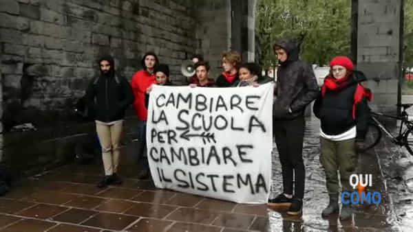 """""""Nuova scuola"""": ecco il video degli studenti comaschi a Porta Torre"""