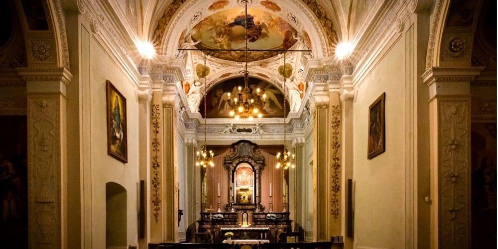 Il Santuario della Madonna del Noce (foto dal sito parrocchiagrandate.it)