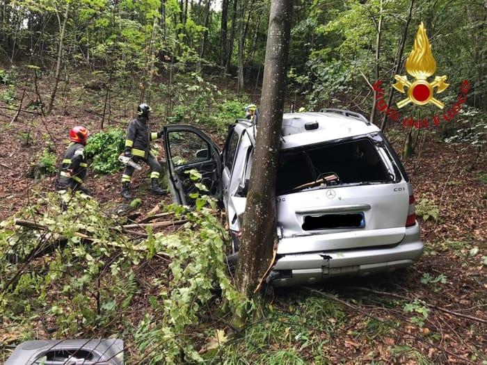 auto nella valle Gravedona 12 agosto 2019 2
