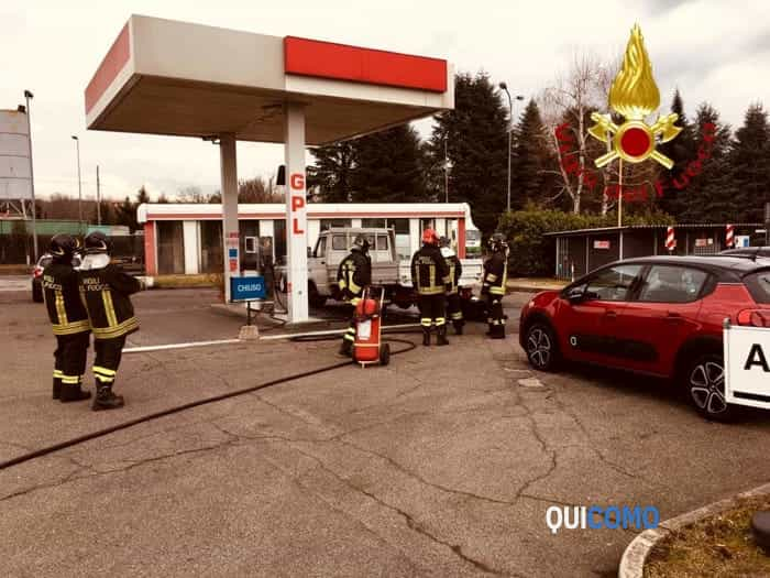 Pompieri a Mariano Comense (foto vigili del fuoco)