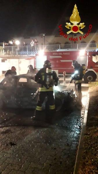auto incendiata a Inverigo 3